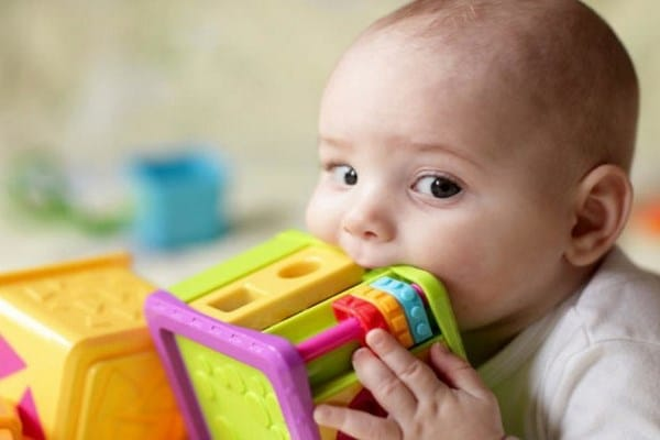 5 Best Ways To Entertain The Baby